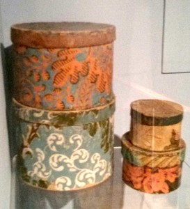 Miniature bandboxes, used to store ribbons and jewelry.